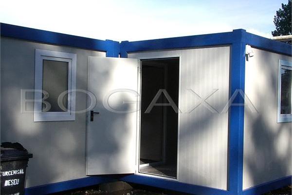 containere-130-20150508-1326945018F3E38436-B353-D664-AA20-59E3D17A4990.jpg