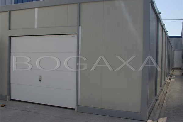 containere-83-20150508-1945417724982EBCBF-859E-9A66-3D44-1FE0A9562197.jpg